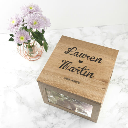 oak-photo-keepsake-box-couple-name-and-heart-per914-001