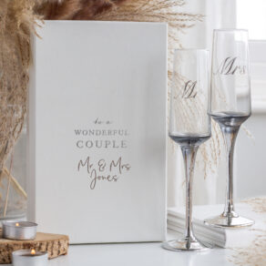 Personalised Set of 2 Mr & Mrs Wedding Flutes in Gift Box