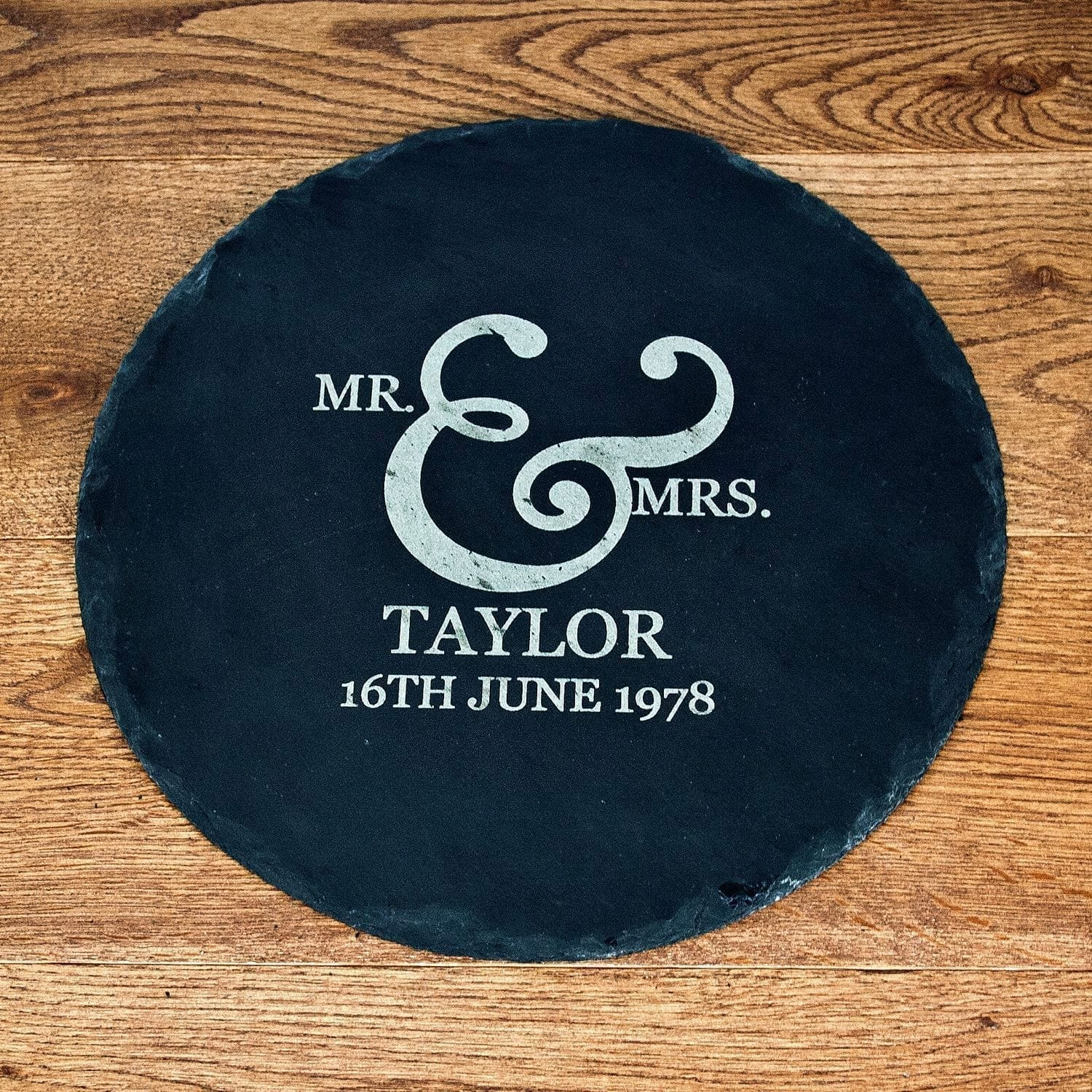 mr-and-mrs-romantic-ampersand-round-slate-cheese-board-7887-p.jpg