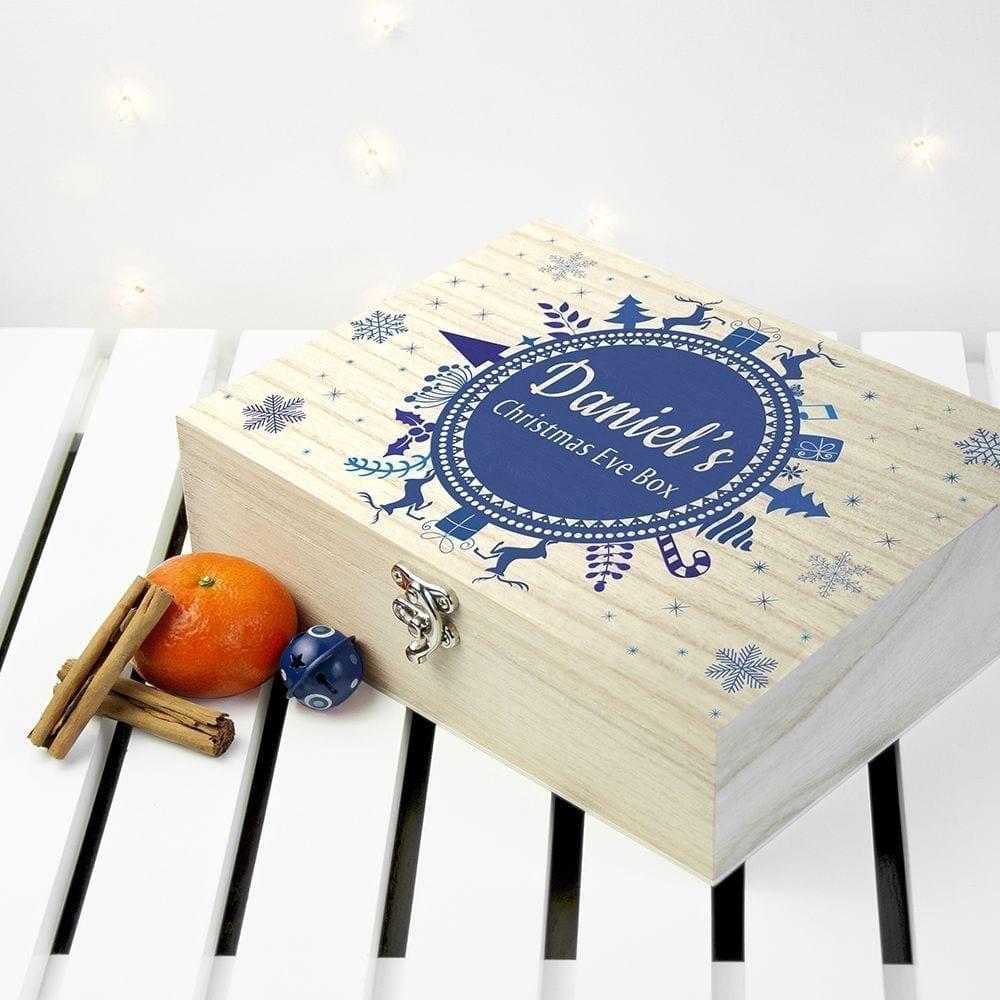 personalised-christmas-eve-mini-box-with-snowflake-wreath-10624-p.jpg