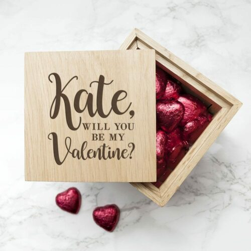 engraved-be-my-valentine-oak-photo-cube-16704-p.jpg