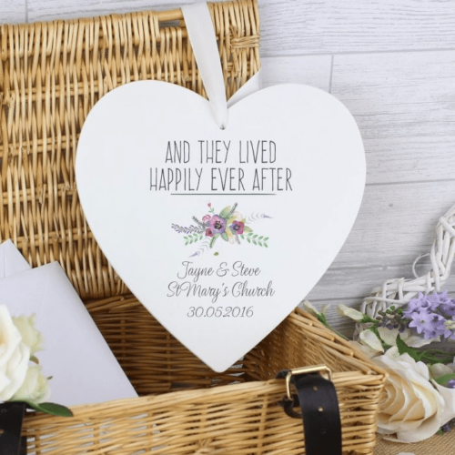 personalised-floral-bouquet-large-wooden-heart-decoration-17203-p.png