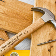 16oz-personalised-fathers-day-claw-hammer-[3]-19296-p.png